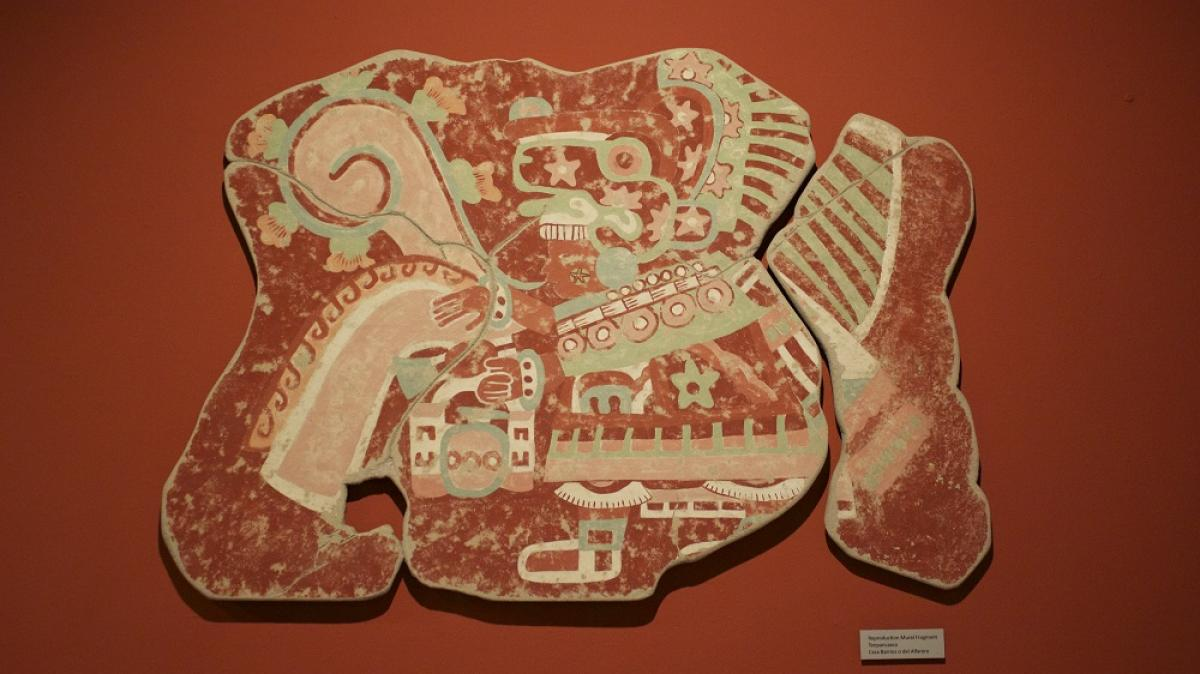 photo of mural fragment from Teotihuacan