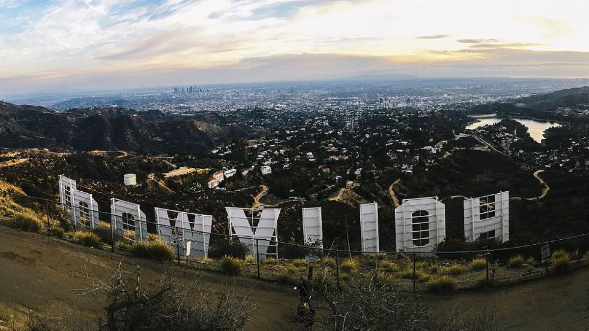 An alternate view of the Hollywood sign. / Image from Wikimedia Commons.