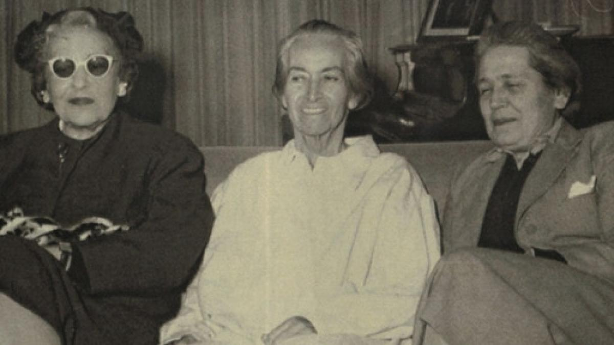 Left to right: Argentine writer and intellectual Victoria Ocampo, Chilean poet-diplomat Gabriela Mistral and Spanish lawyer and politician Victoria Kent.